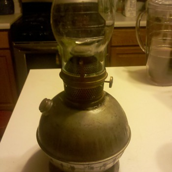 Metal oil lamp