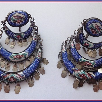 PERSIAN ANTIQUE ENAMEL HAND PAINTED BIRDS FLORAL FILIGREE SILVER EARRINGS.  - Fine Jewelry