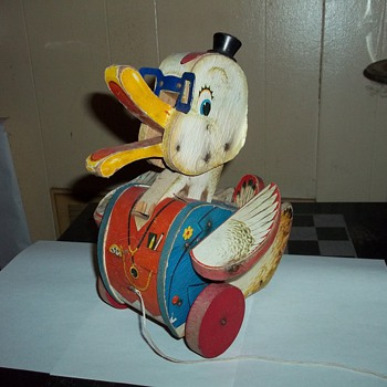 FISHER PRICE PULL DUCK TOY