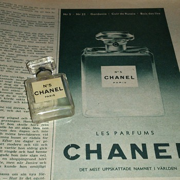 An add for Chanel no 5 in a magazine from 1953 together with grannys old perfume bottle