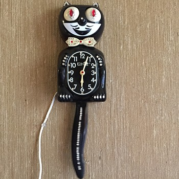 1980's jeweled Kit Cat Clock