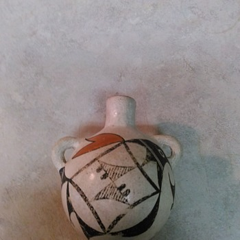 POTTERY  HANDPAINTED JUG - Native American