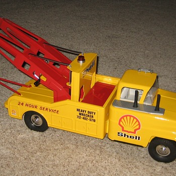 Big Heavy-Duty Dual-Boom SHELL Tow Truck Wrecker.