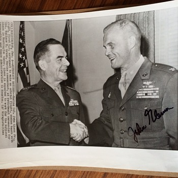 JOHN GLENN autograph Photo - Military and Wartime