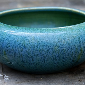 Beautifully glazed old console bowl - Pottery