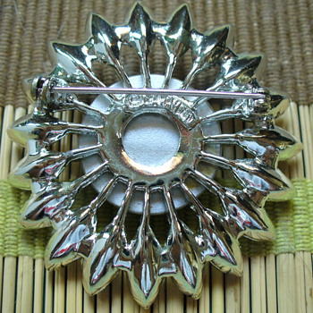 Saphron Brooch? - Costume Jewelry