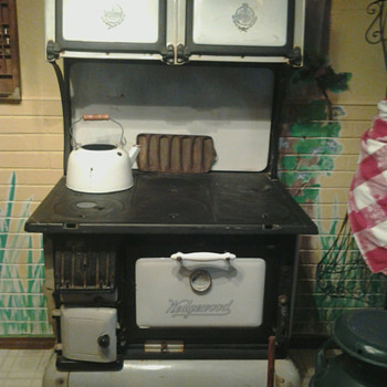 1880s Wedgewood wood burning stove - Kitchen