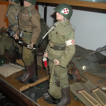GI Joe Marine Medic Set 1965