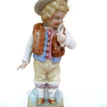 Antique porcelain figurine help id - Figurines