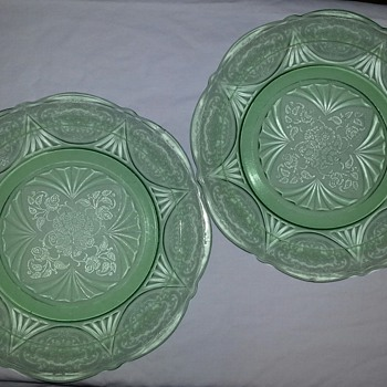 I Love These Gorgeous Green Plates - Glassware
