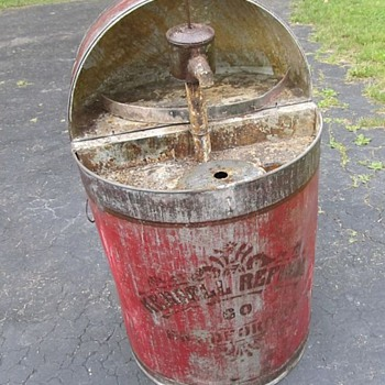 Early 1920's/1930's Flip Top Kendall Refinery Bradford PA Unusual Stenciled Flip Top Oil drum w/Pump! Need Info!