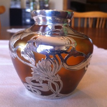 Art Nouveau Loetz-type vase with sterling silver overlay. - Art Glass