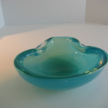 Aqua opalescent bowl - Art Glass