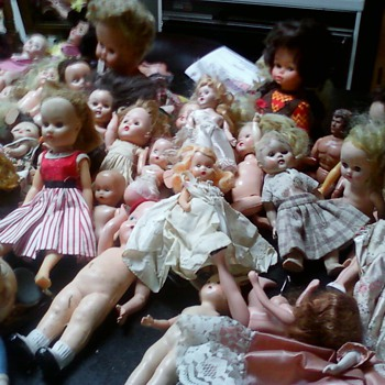 lots of dolls  - Dolls