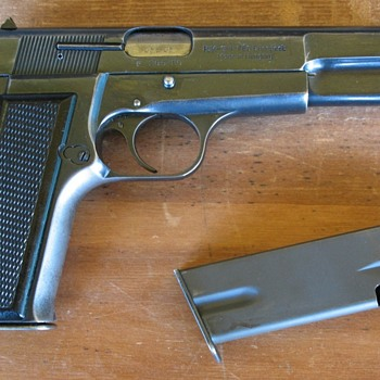 FEG Hungarian made Browning Hi Power 9mm pistol - Military and Wartime