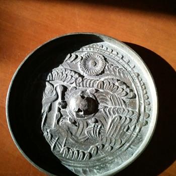 Vintage Round Metal Disc? - Accessories