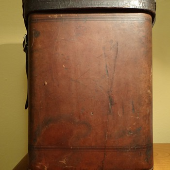VINTAGE ABERCROMBIE & FITCH CO. LEATHER WINE CARRIER TOTE