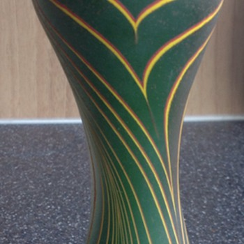 "Will Shakespear vase, pattern ""Random"" - Art Glass"