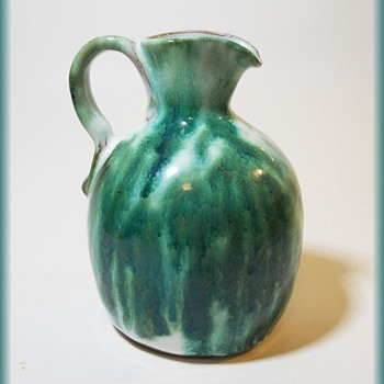 Canadian 1950's Pottery Vase -- PINECROFT CANADA