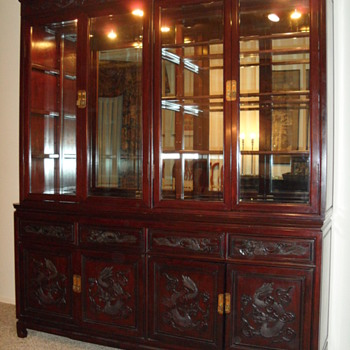 CHINESE THEMED CHIPPENDALE ROSEWOOD DISPLAY CABINET