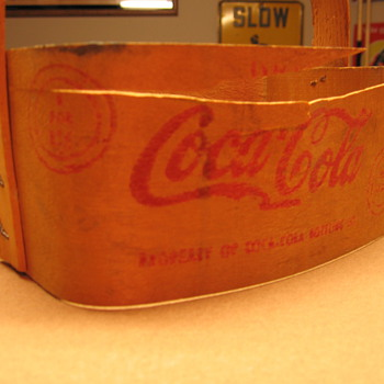 1940&#039;s Coca-Cola Bent Wood Six-pack
