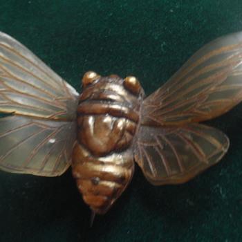 Art Nouveau horn cicada brooch