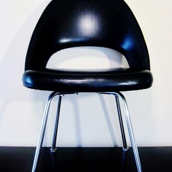 EERO SAARINEN 1910-1961 - Mid-Century Modern