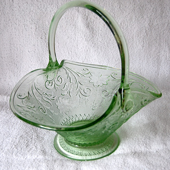 Indiana Glass Manf -- Tiara Seller -- Bridal or Fruit Basket by Darell Templeton