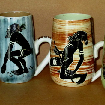 AUSTRALIAN ART POTTERY - MARTIN BOYD MUGS c1955 - Art Pottery