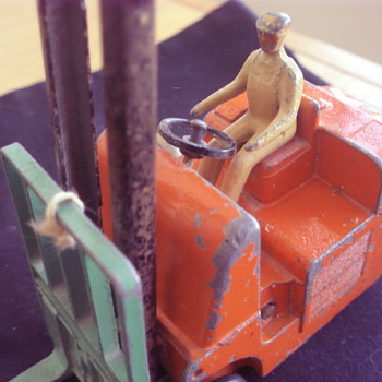 CONVERTY CLIMAX FORKLIFT TRUCK DINKY TOYS ENGLAND