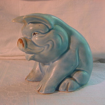 mystery blue matte seated pig Made in England - Art Pottery