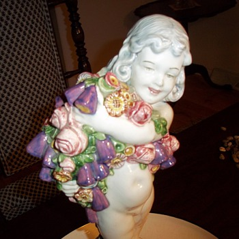 FLOWER GIRL - Art Pottery