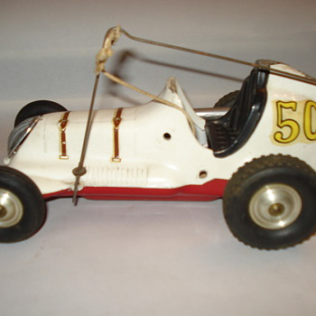 VINTAGE MEDAL CAR
