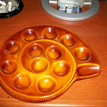 escargot dish cant read name ? - Art Pottery