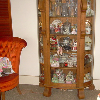 ANTIQUE CURIO  - Furniture