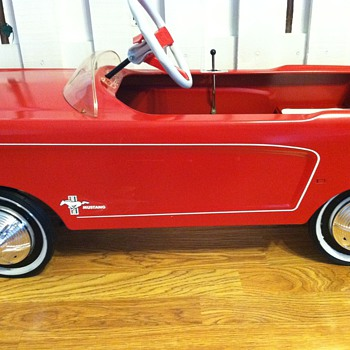 1965 mustang pedal car - Model Cars