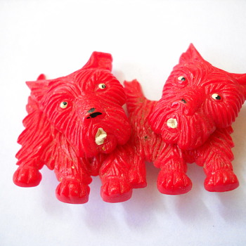 50's Movable Heads Plastic Scotty Dog Brooch - Costume Jewelry