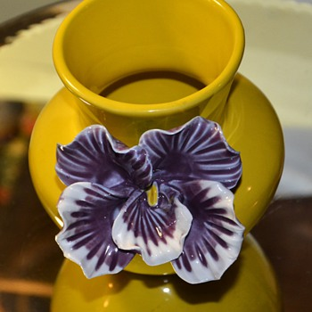 Who made this beautiful little pot? - Art Pottery