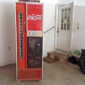 Newly Acquired Coke Machine - no labels to identify - new collector - Coca-Cola