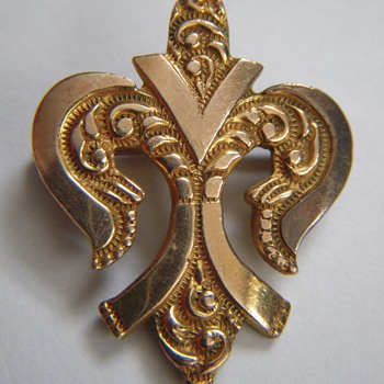 Antique fleur de lis pin,....Society Emblem? - Costume Jewelry