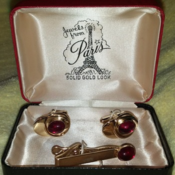 """Jewels From Paris"" Cufflinks Tie Tack Box Set"