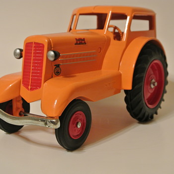 1/16 Minneapolis-Moline UDLX Comfort Tractor, Special Edition IA FFA