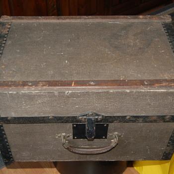 horstmann bros & co trunk - Furniture