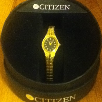 Gold Citizen Wristwatch - Wristwatches