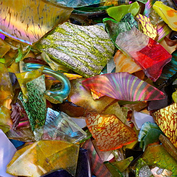 ...may they rest in piece...1900-2006 - Art Glass