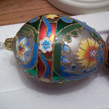 Hand Painted Or Decorated Glass Christmas Ornaments (More to see) - Christmas