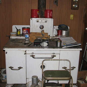Home comfort wood cook stove - Kitchen