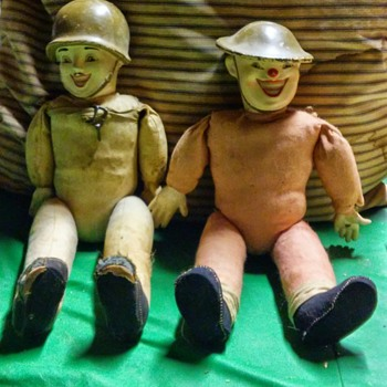 WWII dolls - Military and Wartime
