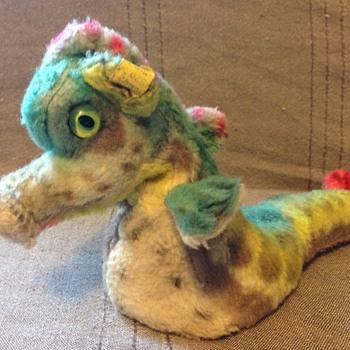 Steiff Cosy Sigi Dragon EAN 4628,00 - Dolls