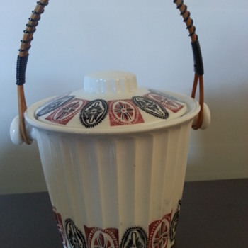 KITCSH PORCELAIN ICE BUCKET OR BISCUIT BARREL - China and Dinnerware